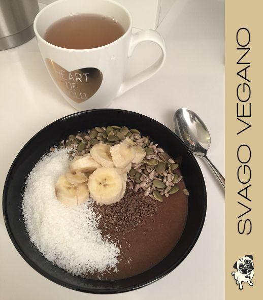 Ma che buono il budino fatto con il cacao crudo in polvere e il latte di riso. Cocco grattugiato, semi e banana: la colazione dei campioni! #cacaocrudo #budinotiamo