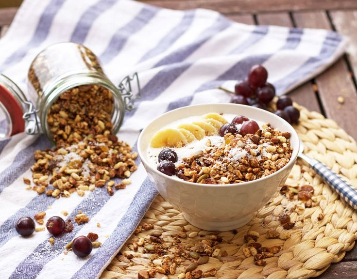 Granola casera con coco Breakfast Recipes, Food, Shredded Coconut, Almonds, Deserts, Coconut Oil, Healthy Cereal, Essen, Meals