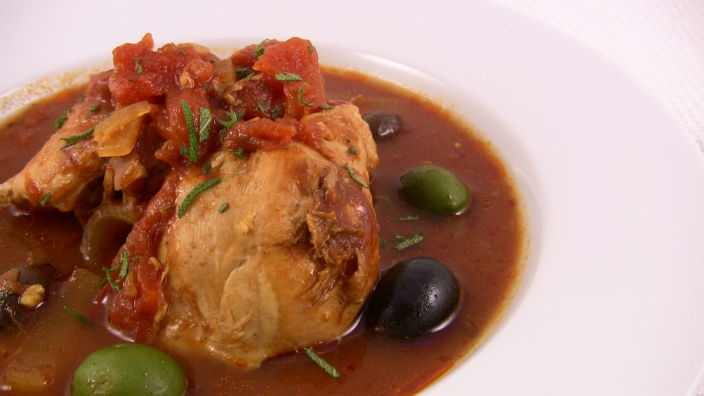 Smokey Chicken with Olives  One pot and it virtually cooks itself