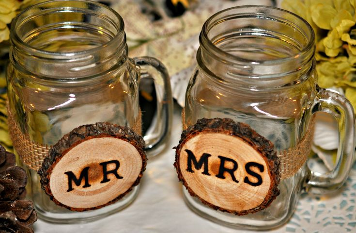 Wedding Glasses, Mr and Mrs Glass, Personalized Glasses, Groomsmen Gift, Rustic Wedding Glasses, Bridal Party Wedding Favors, Wedding Gifts by Elevatedpartysupply on Etsy
