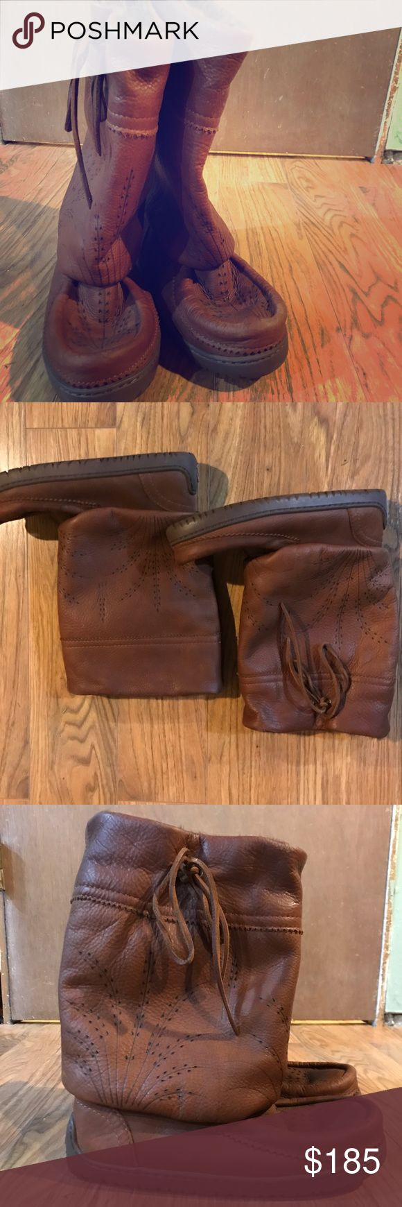 Manitobah Mukluk Mid calf - Brown Light warn a handful of times. Very warm, yet fashionable, winter boots.  Size 8. Muk Luks Shoes Winter & Rain Boots