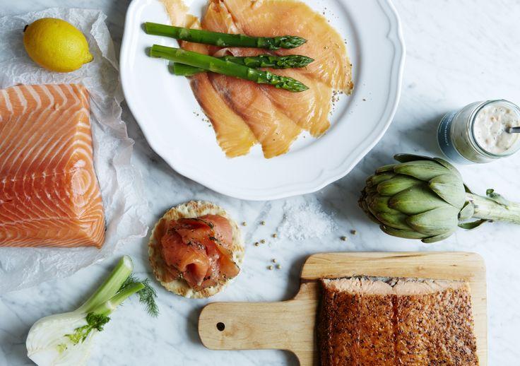 O salmão é o centro das nossas refeições. É fácil de preparar e pode ser utilizado de variadíssimas formas. Acompanhem-no com batatas cozidas e esparregado ou com massa fresca. Combinem com endro, limão e SÅS SENAP  DILL (molho para salmão), SÅS SENAP  BASILIKA (molho de mostarda e manjericão) ou SÅS PEPPPARROT (molho de rábano). #IKEAFood #IKEAPortugal