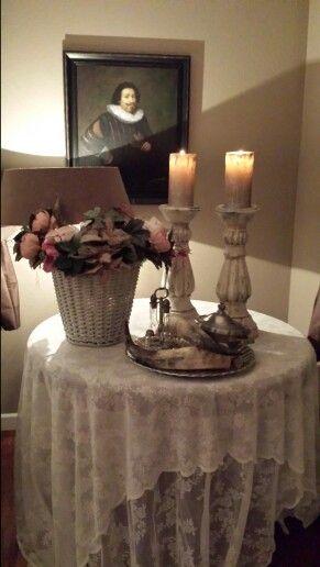 2 mooie kanten gordijnen als tafelkleed