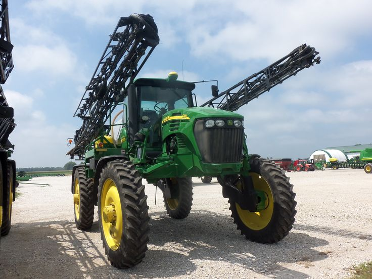 John Deere 4720 sprayer.232/225 hp from a turbocharged 414 cid diesel engine.22,600 lbs,800 gallon tank.4700,4710,4720,4730,R4030.Since 1996
