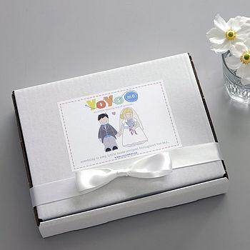 Little Wedding Activity Box For Children  by YoYo-Me