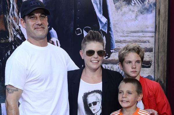 Natalie Maines, the lead singer of the Dixie Chicks, has filed for divorce from her husband, actor Adrian Pasdar.