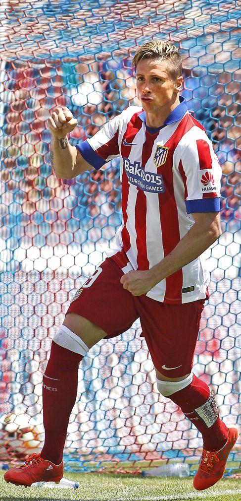 """""""Torres, el rescatador"""" (Photo Credit: José Antonio Sanz / Marca. Published: 11 May 2015)"""