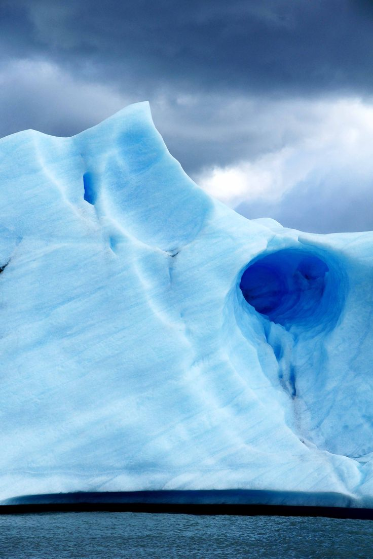 The blue ice of Los Glaciares National Park in Argentina - a photo series.