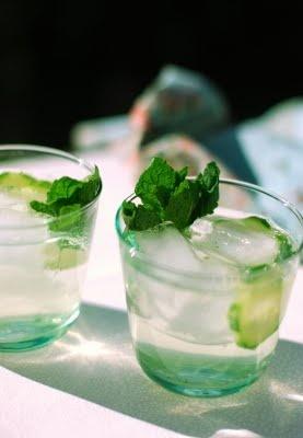 Cucumber and elderflower gin fizz | Cocktails | Pinterest