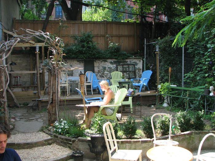 Laptop, coffee, suntan: Brooklyn's best outdoor cafes to do work in   Brokelyn