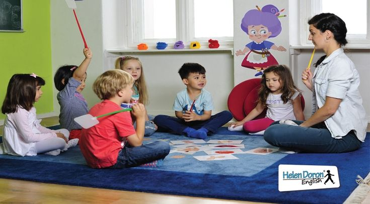 """""""Mi-am dorit sa le ofer copiilor romani o alternativa la invatamantul traditional, prin care sa invete cu placere, sa se distreze si sa dezvolte o atitudine pozitiva vis-a-vis de invatare pe tot parcursul vietii."""" Cornel Bârlea, Master Francizor Helen Doron English pentru România de Vest ."""