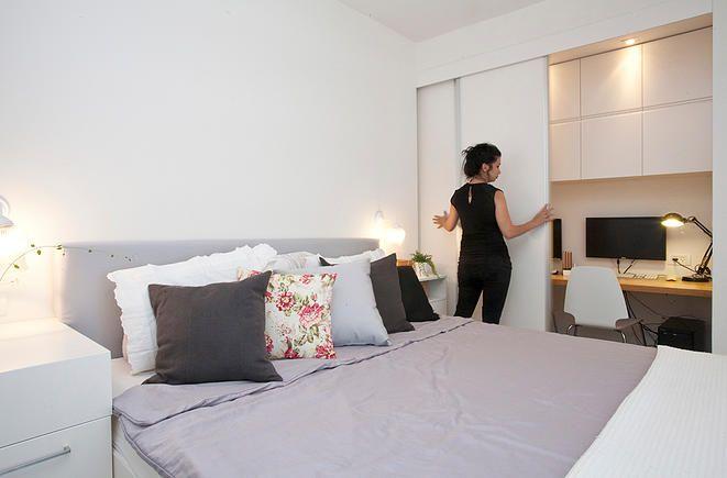xs architecture | functional design | פינת עבודה בחדר שינה שיכולה להיות מוסתרת עי דלת הזזה