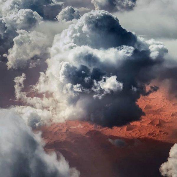 Este piloto apaixonado por fotografia capta as imagens mais impressionantes do céu e de tempestades