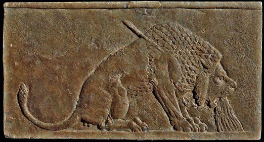 1:Autore) Sconosciuto; 2:Nome/titolo) Leone morente; 3:Data/periodo) ca 654 a.C; 4:Materiale/tecnica) Bassorilievo in alabastro calcareo; 5:Luogo di conservazione) British Museum, Londra, Inghilterra.