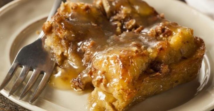 Transformez vos vieilles baguettes de pain en un merveilleux pouding au pain...Caramel et pacanes