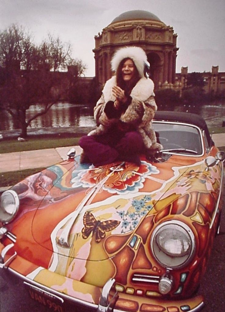 Fascinating Vintage Photographs of Janis Joplin Posing With Her Colorful 1965 Porsche 356c