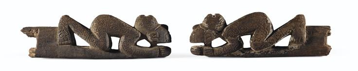 DEUX ÉLÉMENTS DE MÉTIER À TISSER ANTHROPOMORPHES   CULTURE HUARI  PÉROU  600-1100 AP. J.-C.  TWO HUARI WOOD WEAVING IMPLEMENTS, PERU