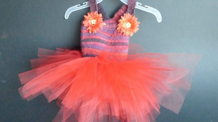 "WATCH How To Crochet ""Tutu Dress"" (4 Righties)"