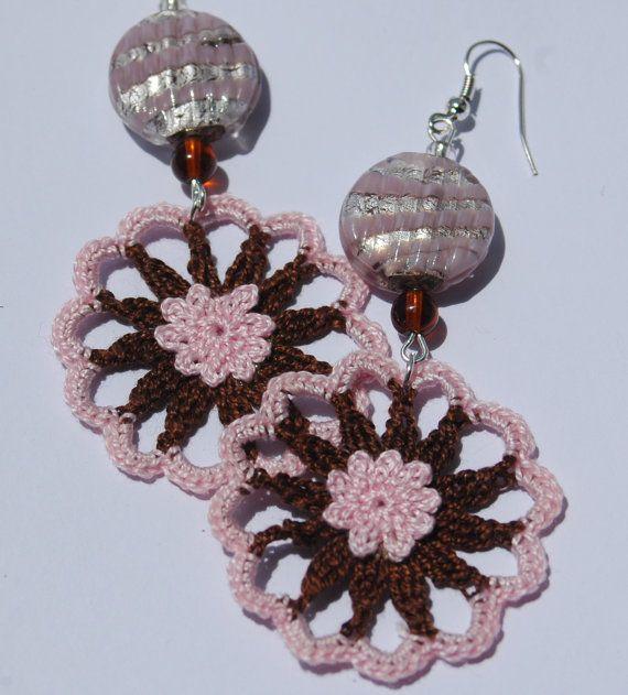 Pendientes de crochet - Pendientes de ganchillo - Pendientes largos - Pendientes fresa y chocolate - Pendientes rosa y marrón.