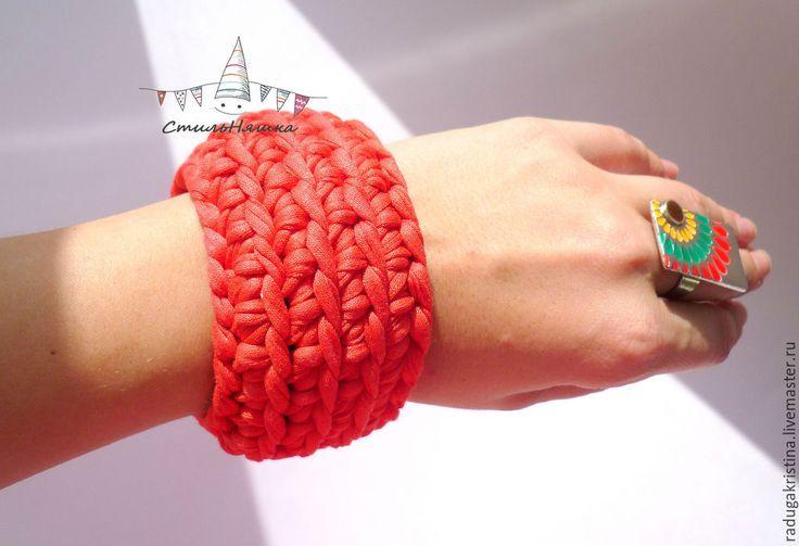 """Купить Трикотажный браслет """"Коралл"""" - коралловый, браслет, коралловый браслет, летний браслет, трикотажный браслет"""