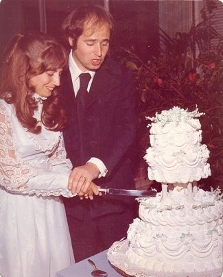 """Rob Reiner marries Penny Marshall 1971...They Seems Perfect For One Another...""""Laverne"""" and """"Meathead""""--Both Actors, Both Wanna Be Directors, Both As Normal & Likeable As They Came...But It Was Not To Be...."""