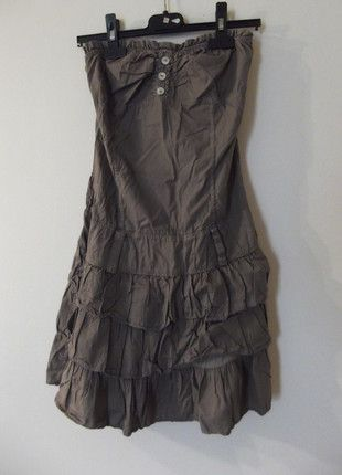 À vendre sur #vintedfrance ! http://www.vinted.fr/mode-femmes/robes-bustier/22477352-petite-robe-legere-bustier-beige-clair