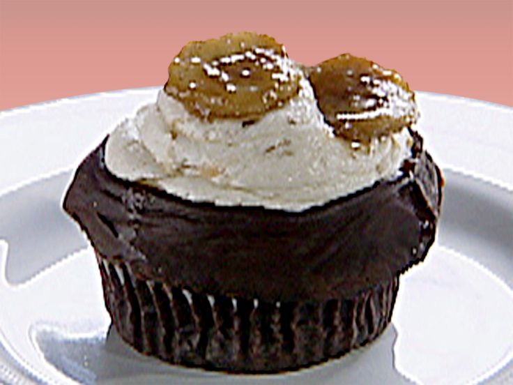 Gilbert Ganache-fried Cupcakes: Chocolate Seltzer Cupcakes with Ganache, Banana Frosting, and Caramelized Banana Recipe : Food Network - FoodNetwork.com