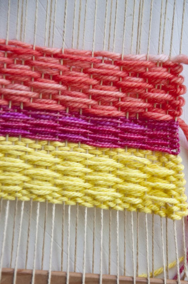 Beautiful small diamond weaving pattern tutorial