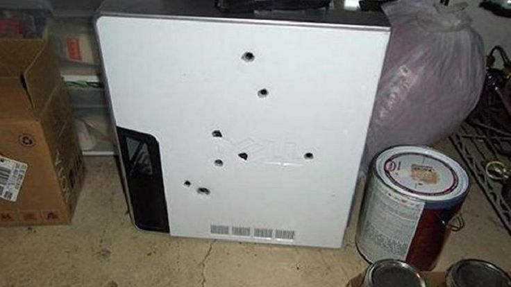Loll, nerd rage at it's finest - Man Shoots Dell PC in a Rage, Regrets Nothing!