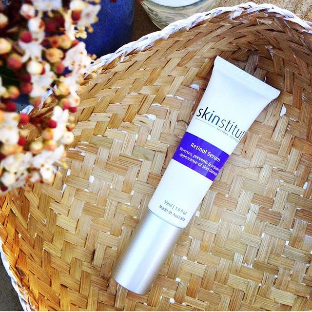 Lower UVA & UVB rays make winter the perfect time to give your skin a makeover with Skinstitut Retinol Serum.  Its encapsulated retinol gives your skin a slow, steady release of retinol for brighter, smoother skin.