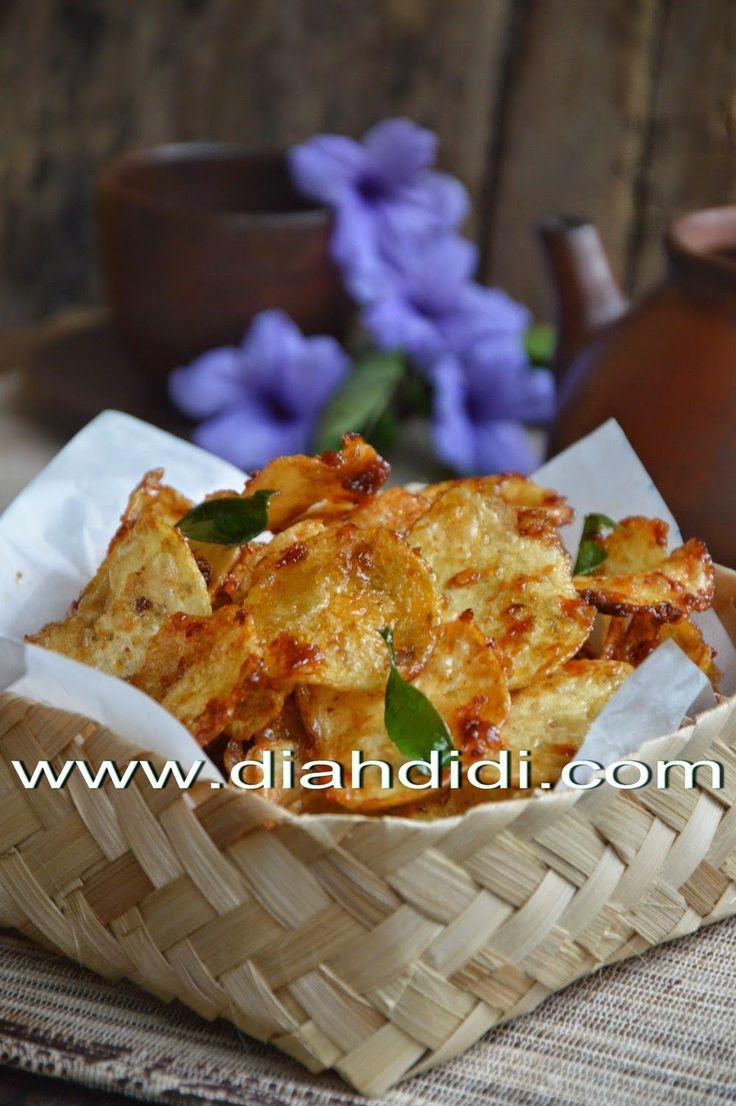 Kering kentang..salah satu lauk kering yang nggak pernah bikin bosan..banyak variasinya. Kalau yang dari Jawa barat ada kering mustafa y...