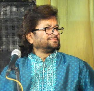 Raunq Kanpuri: LYRIC-TUM ITNA JO MUSKRA RAHE HO