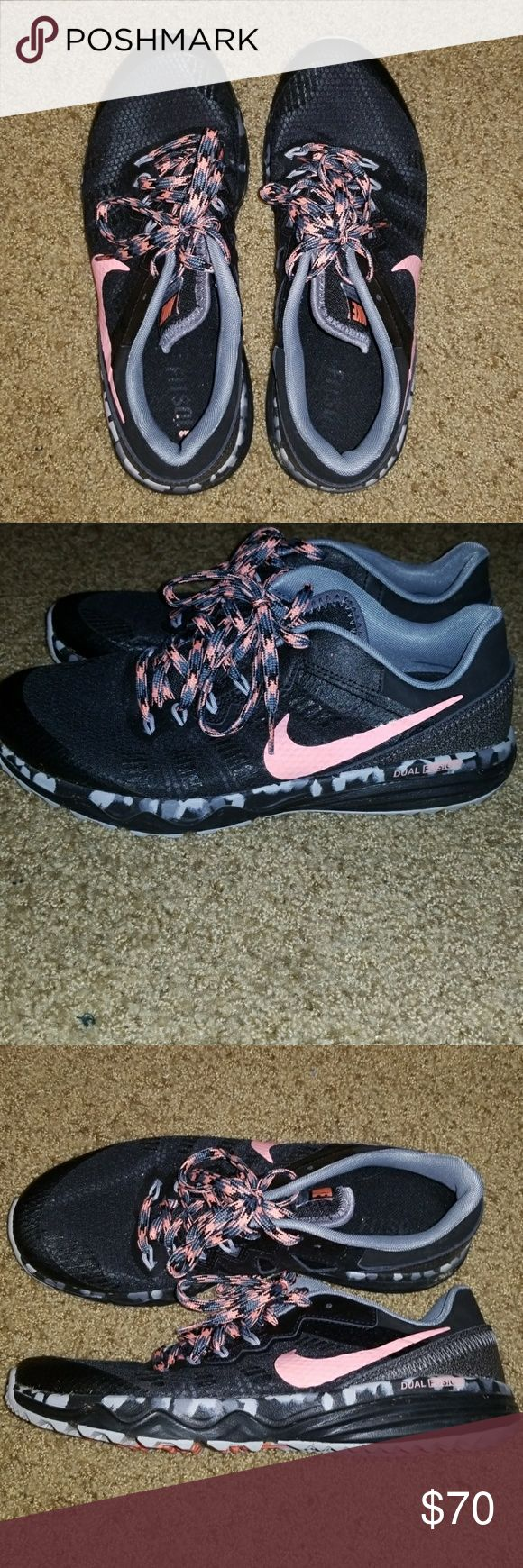 Nike Dual Fusion Black and Pink Nike Dual Fusion. Worn a few times, so these are in great condition still. These are an 8, but could also fit 8.5. Nike Shoes Athletic Shoes