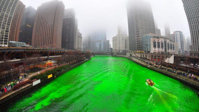 Зеленая река в Чикаго