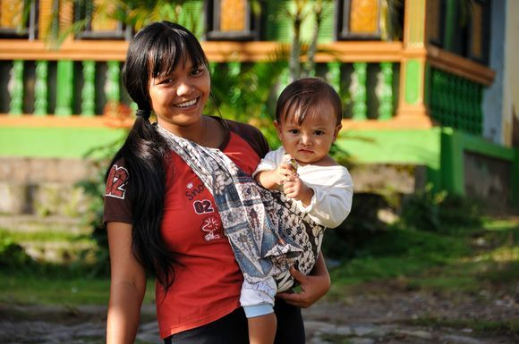 Mother with her child in Indonesia