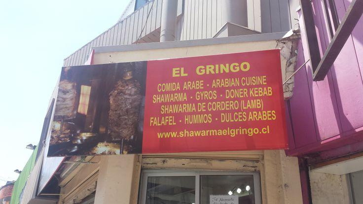 """Local de Comida Árabe que se llama """"El Gringo"""" y que lo administran Chilenos. Patronato es cosmopolita"""