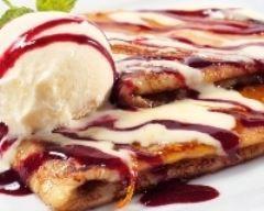 Crêpes de châtaigne à la vanille et au coulis de framboises : http://www.cuisineaz.com/recettes/crepes-de-chataigne-a-la-vanille-et-au-coulis-de-framboises-31940.aspx