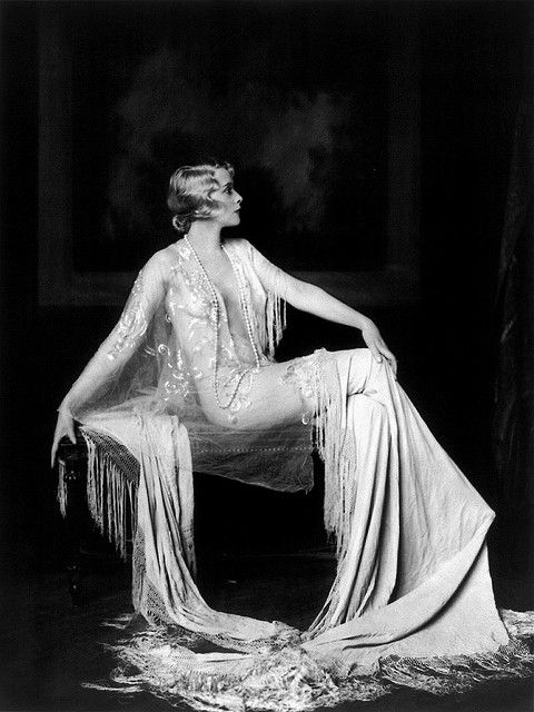 Muriel Finlay, Ziegfeld girl, by Alfred Cheney Johnston, ca. 1928 by trialsanderrors, via Flickr