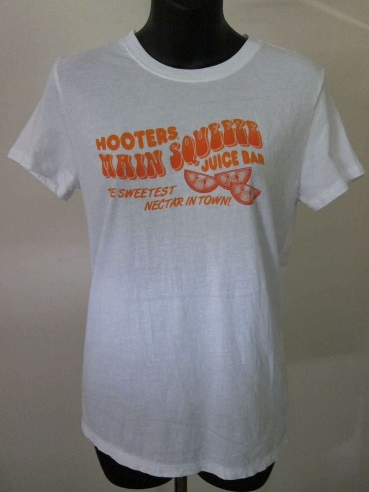 Womens Jr Sz M Hooters Main Squeeze Juice Bar Sweetest Nectar T Shirt Columbus #HYP #GraphicTee