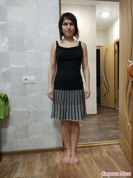 Ещё одна юбка частичным вязанием, только теперь разнообразила цветом. Пряжа чёрная - 2 нити Слонимской п/ш и нить хлопка 32/2, белая Ализе симли, тоже хлопок. Плотность 5.
