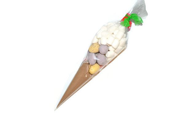 Everyone loves hot chocolate and easter, check out this hot chocolate easter cone!
