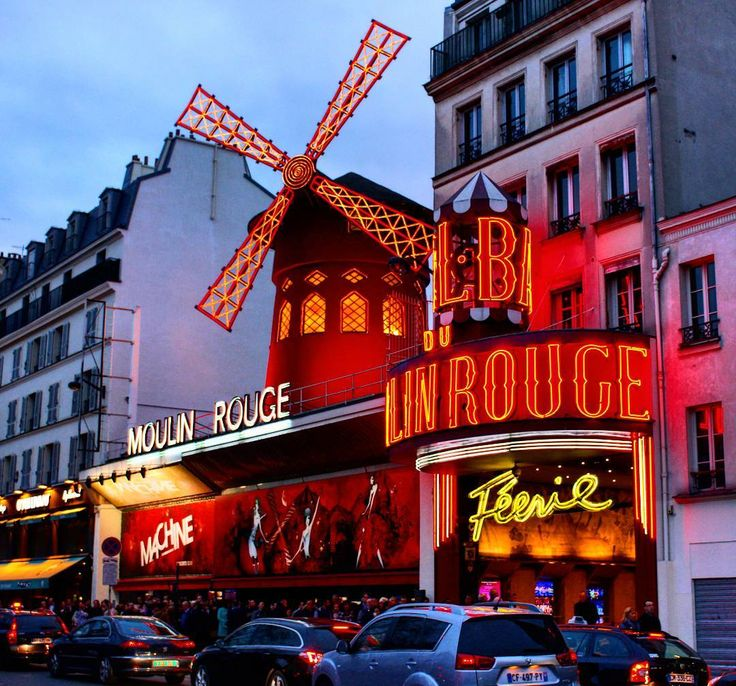 #paris #moulinrouge#discoverparis #montmartre #loveparis #travel #parisbynight #instaparis #париж #муленруж #монмартр #гидпариж #tourguideparis #guideparis #travel #tourism #beautifulcity #worldcities #france  #milenaguideparis