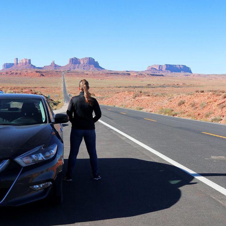 Instagrammer reizenenreistips verkende Monument Valley, Amerika met een huurauto. Deel ook je roadtrip plezier en plaats de hashtag #MetEenHuurautoZieJeMeer bij je foto's op social media.