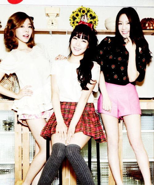 Sunny, Tiffany and Taeyeon.