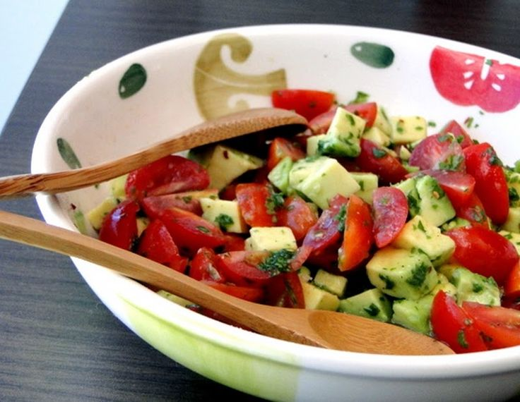 Salada de Tomate com Abacate