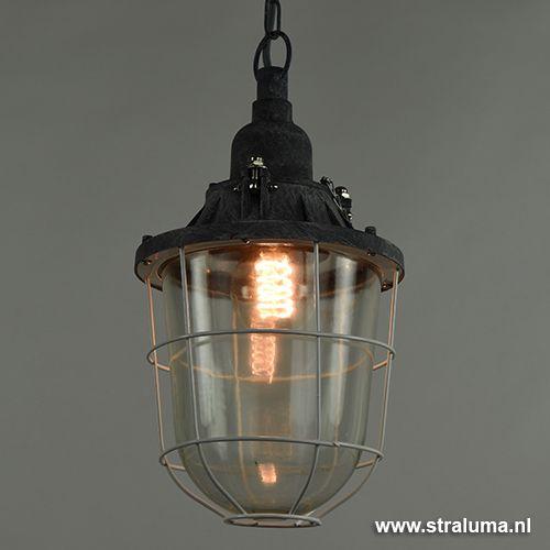 Industriele hanglamp lantaarn kooi beton   Straluma