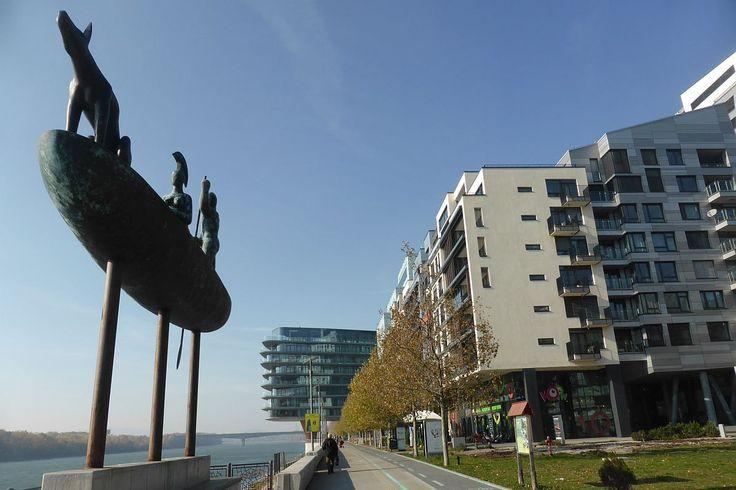 /// Iron Curtain Bike Tour in Bratislava: by Authentic Slovakia