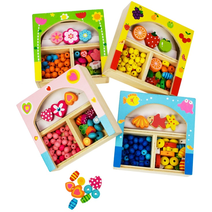 These pretty mini jewellery kits are perfect for children of 3 years and up to create their first jewellery designs and develop their coordination skills. The kits feature a variety of beads and key pieces, and come in four colourful themes