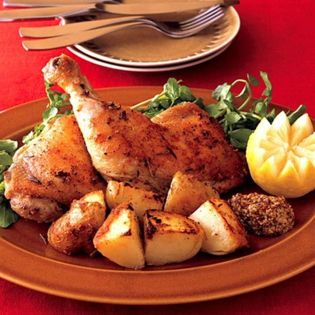 華やかなディナーはクリスマスの大きな楽しみ。クリスマス当日に向けて主菜から副菜まで色々考えなくてはならないけれど、まず悩むのはディナーの目玉となるメイン料理です。そこで、これさえあればテーブルがパッと華やぐ!クリスマスのメイン料理レシピをご紹介致します。