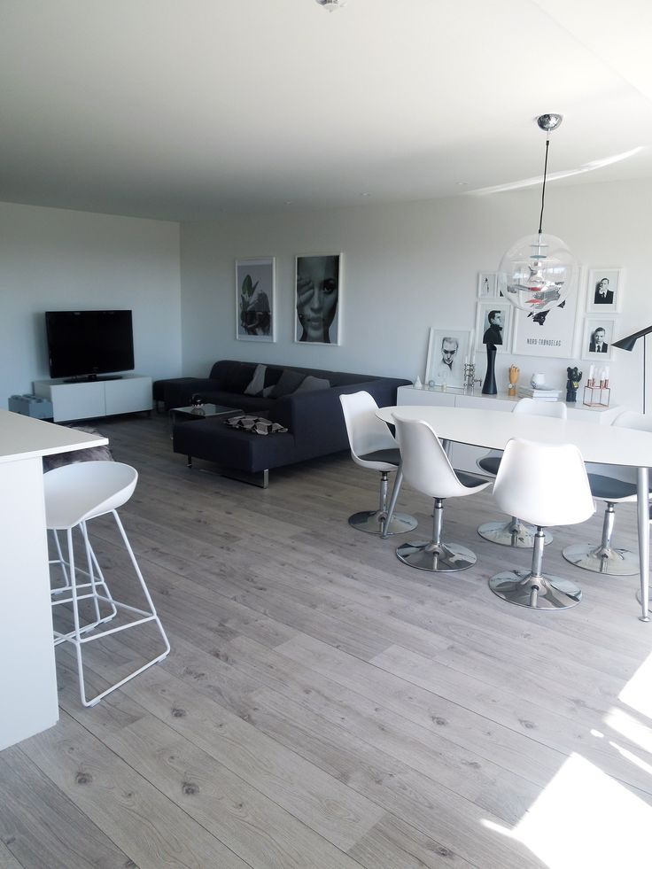 Minimalistic livingroom by @frutanem on #instagram